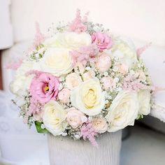 Gypsomilková svadobná výzdoba v Gastre Na výzdobu svadobnej hostiny sme použili 300 ks bielej gypsomilky a ostatné dekorácie sme ladili do jemnej ružovej. V svadobnej kytičke boli použité ruže hortenzie pivonky astilbe eustoma a trošku gypsomilky. #kvetysilvia #kvetinarstvo #kvety #svadba #love #instagood #cute #follow #photooftheday #beautiful #tagsforlikes #happy#like4like #nature #style #nofilter #pretty #flowers #design #awesome #wedding #home #handmade #flower #summer #bride #weddingday…