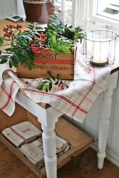 """VIBEKE DESIGN: """"Åh! er det jul ? """"         Natural Christmas elements in the kitchen"""