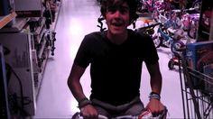 So freakin cute!! I <3 u Connor.