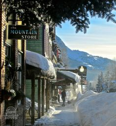 Knocking Snow Off The Roof is Just Part of Life in #CrestedButte (<3 it!) #Colorado #Winter