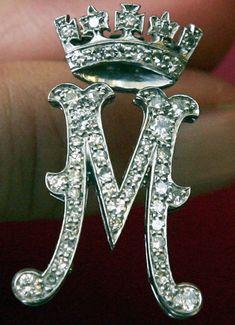 Princess Margaret's Diamond Monogram Brooch.  https://www.facebook.com/photo.php?fbid=1441706912773045&set=oa.283553501812446&type=3&theater https://www.facebook.com/groups/260713314096465/