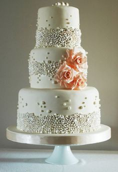 This is a gorgeous pearl wedding cake.