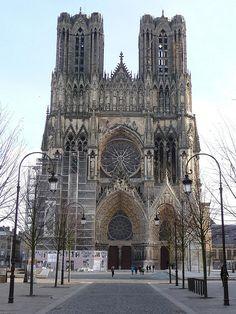 Cathédrale Notre Dame de Reims, France - Day