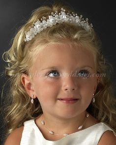 Flower & Crystal Flower Girl Tiara is the perfect little princess tiara for your little lady. Tiara features rhinestones, crystals and pearls. Flower Girl Headpiece, Flower Girl Jewelry, Flower Girl Headbands, Flower Girls, Pearl Headpiece, Diy Flower, Hair Jewelry, Pearl Jewelry, Fashion Jewelry