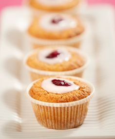 Sweet Pastries, Mini Cupcakes, Deli, Food Inspiration, Muffins, Food And Drink, Yummy Food, Favorite Recipes, Sweets