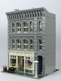 "https://flic.kr/p/j7bywP | Sugar & Spice | The Sugar & Spice is my third New York style building.  It has a cupcake store on the ground floor and an apartment in the upper two floors.    The ground floor facade is very similar to the Black velvet.  I started these two buildings at the same time, as I had two different visions for the same basic design.  Instructions available <a href=""http://modularsbykristel.com/instructions-modular-buildings/"" rel=""nofollow"">here</a>."
