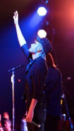 A man that worships Colton Dixon Christian Music Artists, Christian Singers, Colton Dixon, Jesus Music, Christian Couples, Country Singers, American Idol, Dream Guy, My Favorite Music