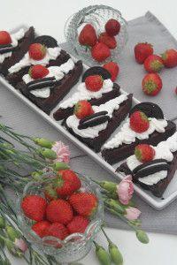 Schnelle Schokoladen Tarte mit Oreo und Erdbeeren