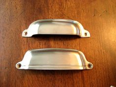 Adding Drawer Pulls U0026 Hardware To The Kitchen Cabinets    Pottery Barn Vs.  Restoration