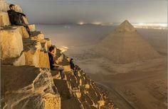 Escaladores en las Pirámides