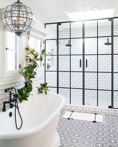 Earl Double Pedestal Bathtub - American Bath Factory 28 Master Bathroom Ideas to Find Peace and Relaxation Bathroom Renovations, Home Remodeling, Bathroom Makeovers, Remodeling Contractors, Kitchen Remodeling, Design Lounge, Balcony Design, Bad Inspiration, Amazing Bathrooms