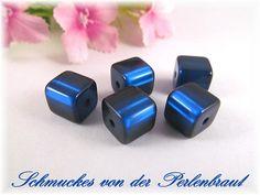5 Polaris Würfel 8x8 mm glänzend, Farbe nachtblau von Schmuckes von der Perlenbraut auf DaWanda.com