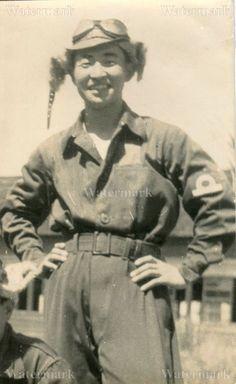 ORIGINAL WWII JAPANESE PHOTO: NAVY AIR FORCE LIEUTENANT FIGHTER PILOT!!