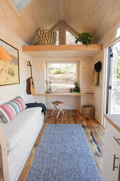 Amazing 27 Tiny House Hacks: Modern and Larger Look https://homedecormagz.com/27-tiny-house-hacks-modern-and-larger-look/