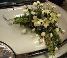 Voorbeelden #Bloemschikken met #Oasis ll - Goedkoop-bloemschikken & Pompoenzaden-decoshop.nl Modern Flower Arrangements, Wedding Arrangements, Wedding Bouquets, Food Table Decorations, Wedding Car Decorations, Valentines Day Weddings, Bridal Flowers, Corsage, Wedding Designs
