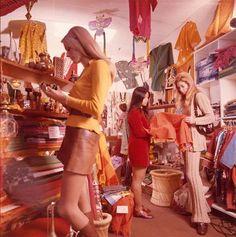 Fashion retro vintage Ideas for 2019 Samurai Girl, Afro Samurai, Vintage Mode, Retro Vintage, Vintage Hippie, Boho Hippie, Hippie Style, Vintage Shops, Vintage Style