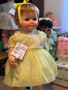 Girls Dresses, Flower Girl Dresses, Ideal Toys, Dolls, My Love, Wedding Dresses, Fashion, Dresses Of Girls, Baby Dolls