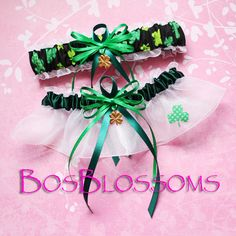 Clover print St. Patrick's garter set w/lucky 4 leaf clover charms