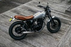 Deus Modified a Yamaha SR400 in the Most Beautiful Way Possible