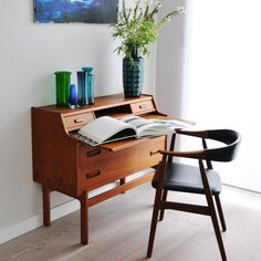 Shop Hyggelig Berlin Vintage furniture and more Vintage seating, storage and tables from Hyggelig Berlin. 100% insured shipping and money-back guarantee.