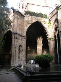 medievallove:    Fountain inside Barcelona Cathedral cloister, Spain.  15th c.  by sftrajan on Flickr.