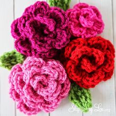 Crochet For Children: Free Easy Rose Crochet Pattern (great to add to the rows of ruffles dress pattern! )
