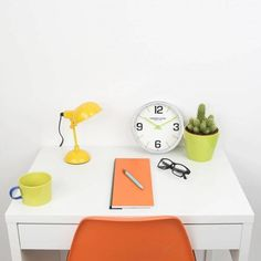 London clock Schoolklok - Zest- Chroom London Clock, Plastic Cutting Board, Home, Ad Home, Homes, Haus, Houses