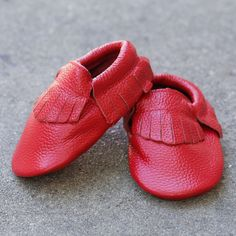 Soft Italian baby-friendly leather Safety-tested for peace of mind. Interior: Soft non-slip suede sole for comfort and protection. Elastic on top to easily put on, and take off. Durable soft leather s