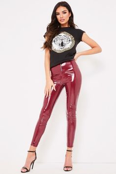 Shop the ultimate wardrobe essential with Misspap's range of leggings. From casual jersey material leggings to wet look leggings - we've got you covered. Mode Des Leggings, Vinyl Leggings, Wet Look Leggings, Leggings Are Not Pants, Cheap Leggings, Skin Tight Leggings, Legging Outfits, Leggings Fashion, Leather Leggings