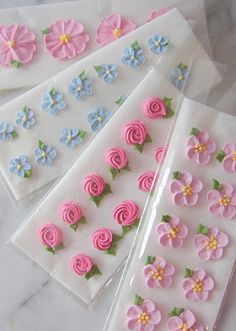 Different types of royal icing flowers.