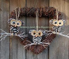 ozdoby z szyszek Sophie's World, Art World, Christmas Love, Fall Crafts, Grapevine Wreath, Wood Art, Grape Vines, Christmas Decorations, Wreaths