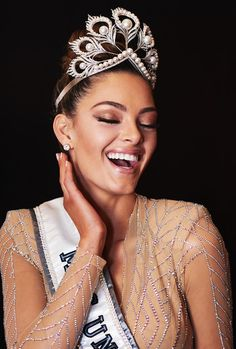 Demi Leigh Nel Peters - South Africa - Miss Universe 2017 Demi Leigh Nel Peters, Miss Pageant, Matric Dance Dresses, Aunty Desi Hot, Miss Independent, Beauty Pageant, All Things Beauty, Beauty Queens, Most Beautiful Women