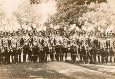 Leib Husar Regt Nr. 1 Officers with Kaiser and Oberst von Mackensen taken in Danzig in 1911.