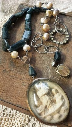 Deryn Mentock 2014 kyanite and pearls...lovely!