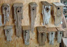 ich lebe auf der Insel der Vögel da wäre es eine Schande wenn ich aus Treibholz nicht auch ein paar Vogelhäuschen bauen würde