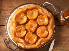Gestürzter Apfelkuchen Pretzel Bites, Pickles, Cucumber, Bread, Food, Tv, Apple Crumble Recipe, Sweet Recipes, Brot