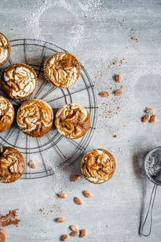 I know you were looking for this pumpkin spice muffins easy recipe. Easy and healthy with just a bit of raw brown sugar! Pumpkin Recipes, Fall Recipes, Sweet Recipes, Pumpkin Ideas, Brunch Recipes, Breakfast Recipes, Dessert Recipes, Brunch Food, Coffee Recipes