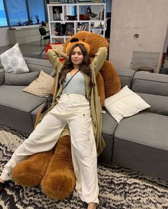 Filipina Actress, Filipina Girls, Filipina Beauty, Kathryn Bernardo Hairstyle, Kathryn Bernardo Outfits, Daniel Padilla, Weekend Outfit, Celebrity Outfits, Celebs