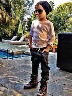 Meet Alonso Mateo, who wears Dior, Gucci, Tom Ford — and Target, too. Fashion Kids, Little Boy Fashion, Baby Boy Fashion, Toddler Fashion, Trendy Fashion, Fashion Fashion, Fashion Women, Fashion Trends, Outfits Niños