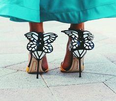 Παπούτσια που φτιάχτηκαν για να εντυπωσιάζουν Pretty Shoes, Beautiful Shoes, Shoe Boots, Shoes Heels, Luxury Shoes, Fashion Details, Fashion Trends, Girls Shoes, Street Styles