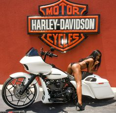 m Nay Custom Trikes, Moto Cafe, Bmw, Biker Chic, Hot Bikes, Biker Girl, Toys For Girls, Vintage Posters, Harley Davidson