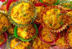 Makkelijk recept voor hartige groenten muffins. Gevuld met courgette, wortel en doperwten. Leuke traktatie voor kinderen.