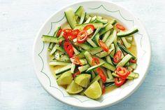 Komkommersalade met rode peper