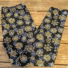 EXTRA PLUS Paw Print Leggings Multi Colored Puppy Dog Printed Buttery Soft 16-24