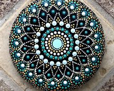 Painted Rock Ideas that will inspire you to start creating! Rock painting ideas are perfect for beginners! Dot Art Painting, Rock Painting Designs, Mandala Painting, Pebble Painting, Mandala Art, Pebble Art, Stone Painting, Dot Painting On Rocks, Mandala Painted Rocks