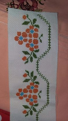 This Pin was discovered by Hav Cross Stitch Pillow, Cross Stitch Rose, Beaded Cross Stitch, Cross Stitch Borders, Cross Stitch Flowers, Cross Stitch Charts, Cross Stitch Designs, Cross Stitching, Hand Embroidery Design Patterns
