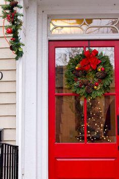 rattlebridge farm tour of christmas doors winter solstice 2014 - Simplify Christmas Decorating