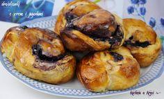 Kuchnia u Krysi : Drożdżówki z serem i jagodami
