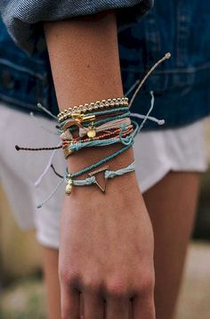 Lovely 43+ Beautiful Stacked Jewelry Ideas For Cool Women https://www.tukuoke.com/43-beautiful-stacked-jewelry-ideas-for-cool-women-4120