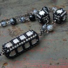 Gianelle: blackwhite - tila beads